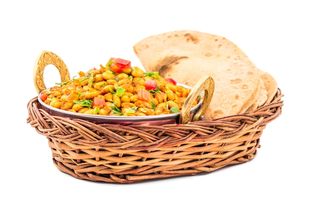 Indiase keuken rajma masala op witte achtergrond