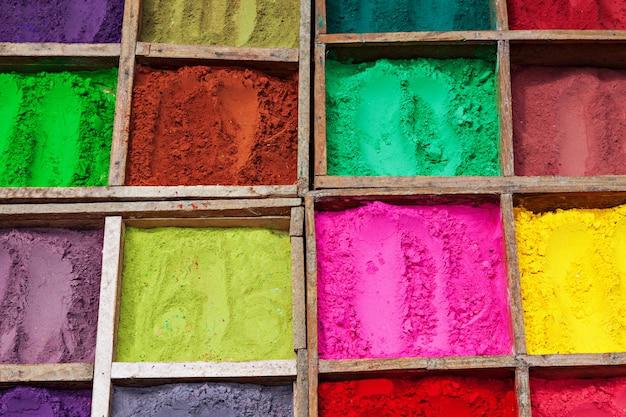 Indiase kleurenpoeder