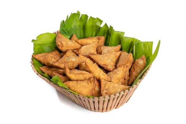 Indiase speciale traditionele straatvoedsel vegetarische samosa of samsa