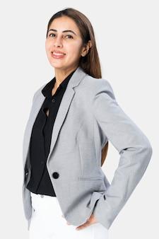 Indiase vrouw die een grijze blazer draagt
