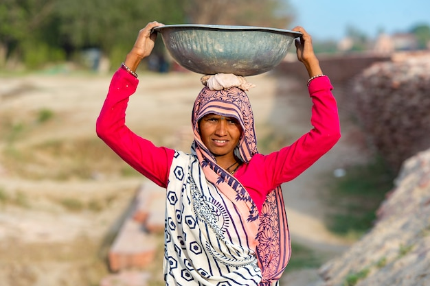 Indiase vrouwenarbeider in agra, india