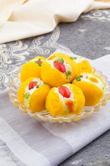 Indisch heerlijk bengaals zoet voedsel