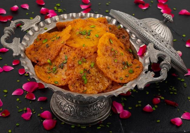 Indisch traditioneel populair zoet voedsel malpua of amalu