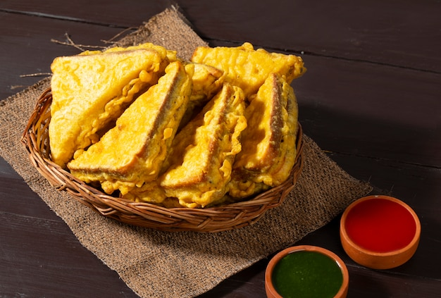 Indische fried snack bread pakora