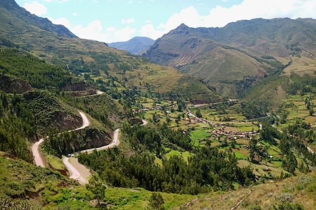 Indrukwekkende luchtfoto van de heilige vallei van de inca's