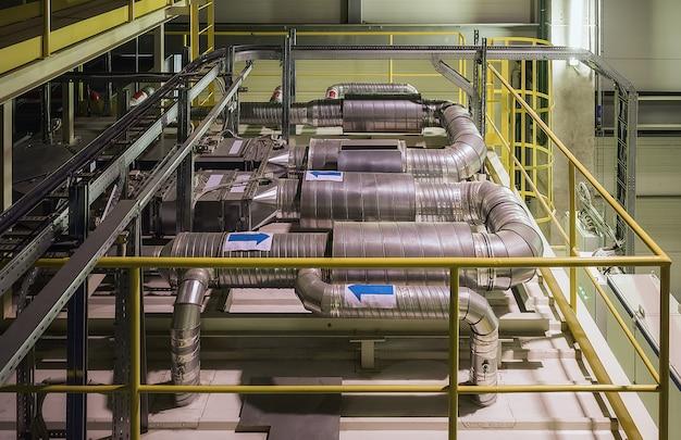 Industrieel luchtkoelsysteem en ventilatiepijpen
