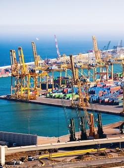 Industriële haven van barcelona