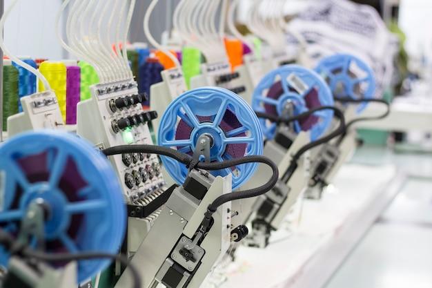Industriële moderne borduurmachine met pailletten apparaten