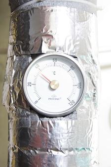 Industriële watertemperatuurmeter met pijp