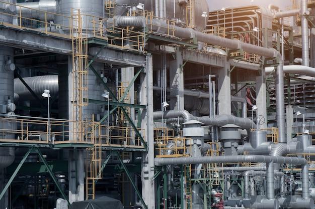 Industriële weergave op olie raffinaderij plant vorm industriezone