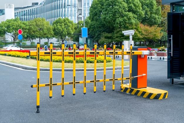 Ingang en uitgang voor parkeerplaatsen