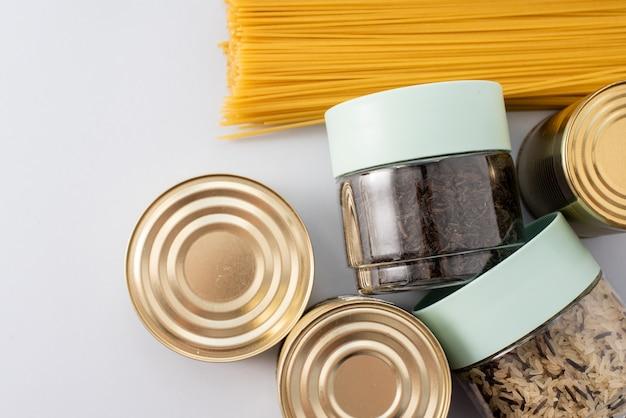 Ingeblikt voedsel en pasta