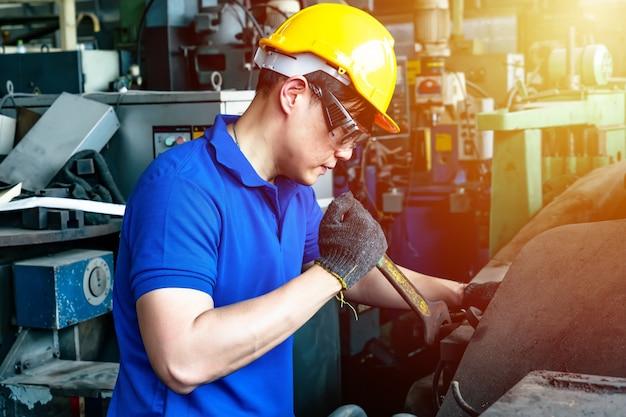 Ingenieur werknemer in de industrie.