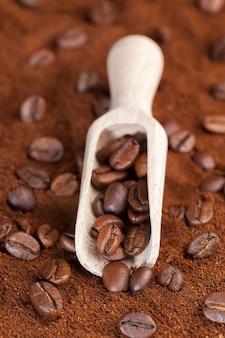 Ingrediënten die kunnen worden gebruikt om een warme, verkwikkende koffiedrank te maken