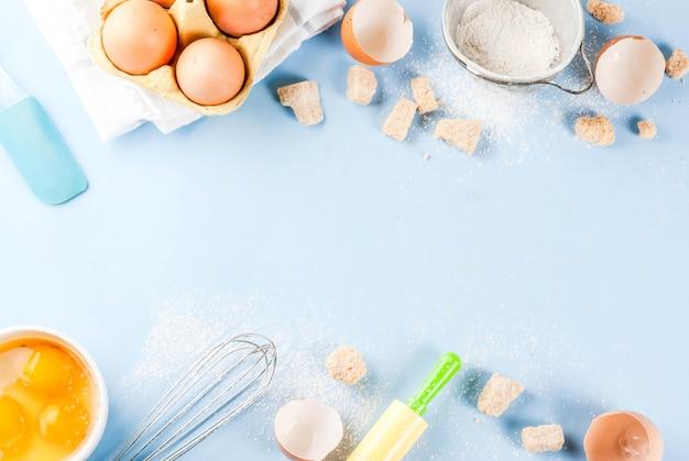 Ingrediënten en gebruiksvoorwerpen voor het koken bakken
