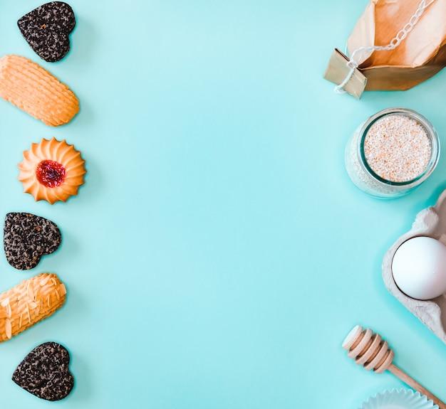 Ingrediënten en koekjes bakken