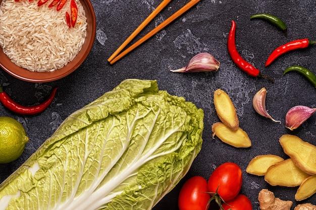 Ingrediënten van aziatisch gekruid voedsel