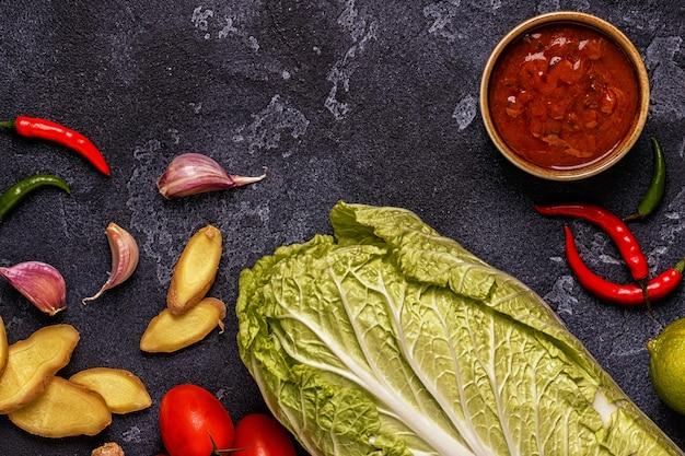 Ingrediënten van aziatische pittige gerechten.