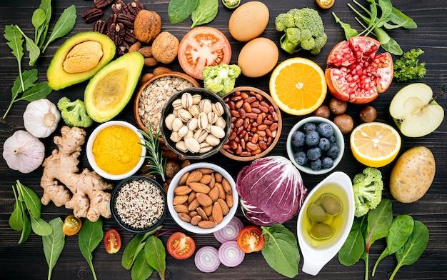 Ingrediënten voor de selectie van gezonde voeding.