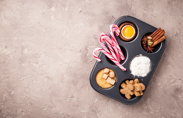 Ingrediënten voor het bakken van kerstkoekjes