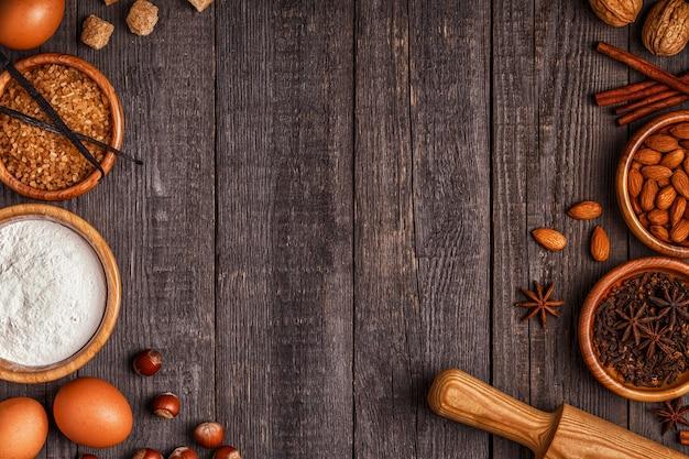 Ingrediënten voor het bakken van taart met noten
