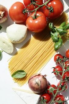 Ingrediënten voor het koken van pasta