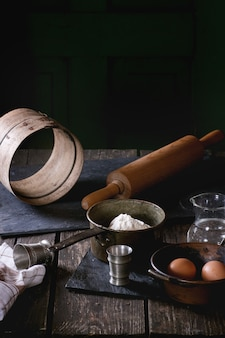 Ingrediënten voor het maken van deeg