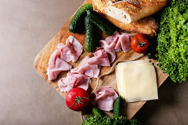 Ingrediënten voor het maken van sandwich