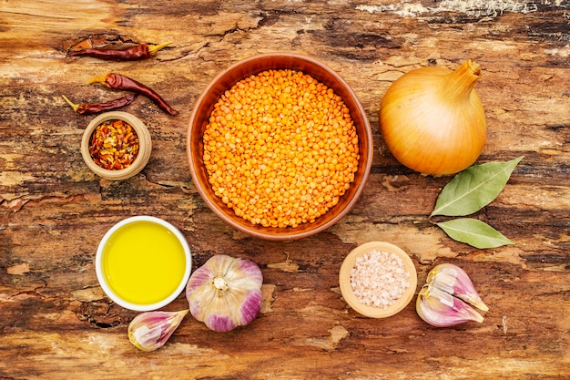 Ingrediënten voor indiase dhal pittige curry