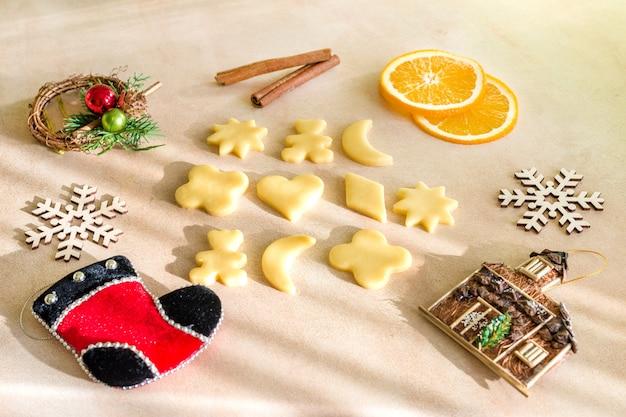 Ingrediënten voor kerstkoekjes en peperkoek bakken