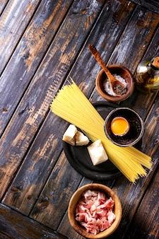 Ingrediënten voor pasta carbonara