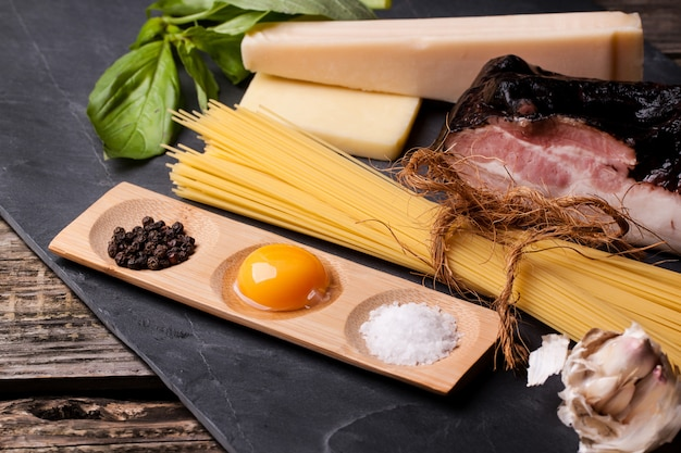 Ingrediënten voor spaghetti alla carbonara