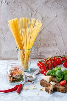 Ingrediënten voor spaghettisaus