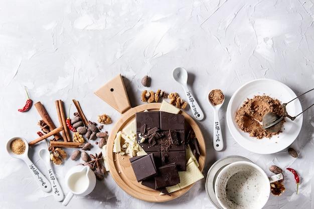 Ingrediënten voor warme chocolademelk