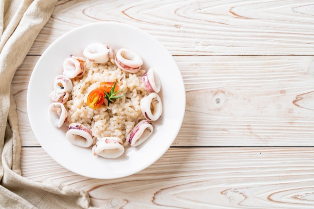 Inktvis of octopus risotto