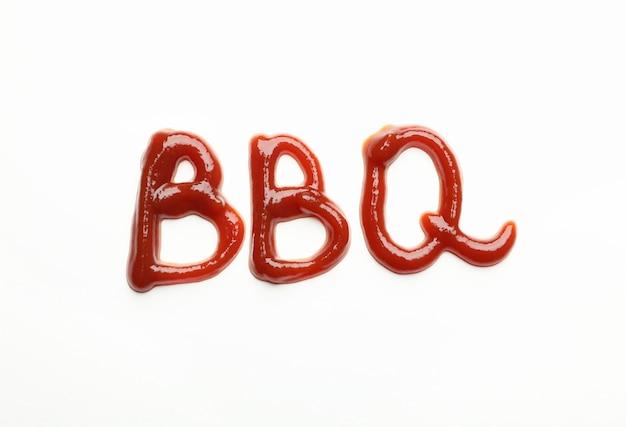 Inscriptie bbq gemaakt van saus op wit