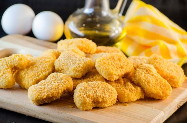 Instant food rauwe kipnuggets al klaar om te koken
