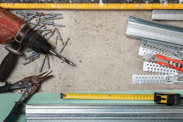 Instrumenten voor het bouwen van een gipsplaatwanden