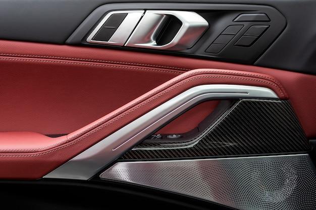 Interieur auto details met leer
