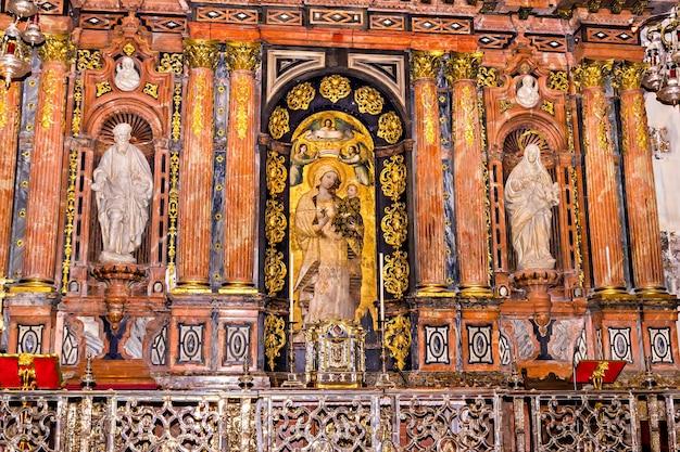 Interieur van de kathedraal van sevilla, andalusië, spanje