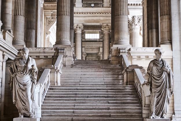 Interieur van de rechtbanken van brussel in belgië
