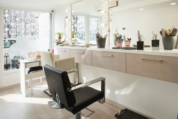 Interieur van een kleine en moderne schoonheidssalon