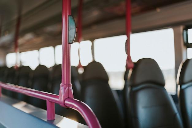 Interieur van een openbaar busvervoer