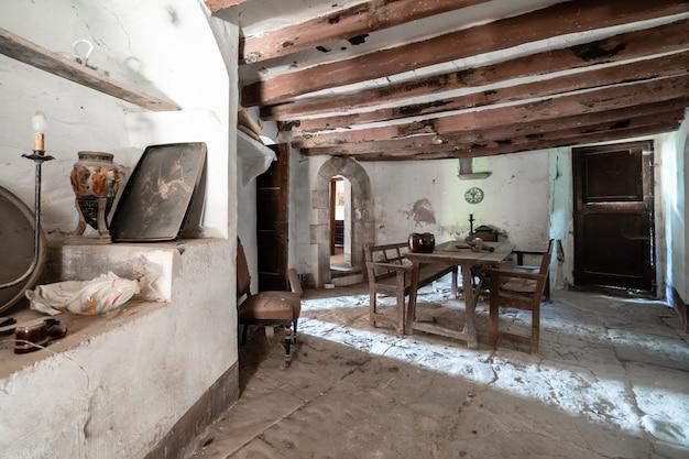 Interieur van een oude boerderij