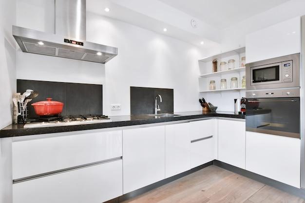 Interieur van een prachtige keuken van een elite huis