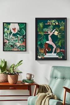 Interieur van retro woonkamer met stijlvolle vintage fauteuil, plank, kamerplanten, cactussen, decoratie, tapijt en twee frames op de witte muur. plantkunde woondecoratie..