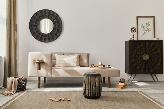 Interieurontwerp van een woonkamer in etnische stijl met moderne commode, ronde spiegel, decoratie, meubels en persoonlijke accessoires. sjabloon. witte muur.