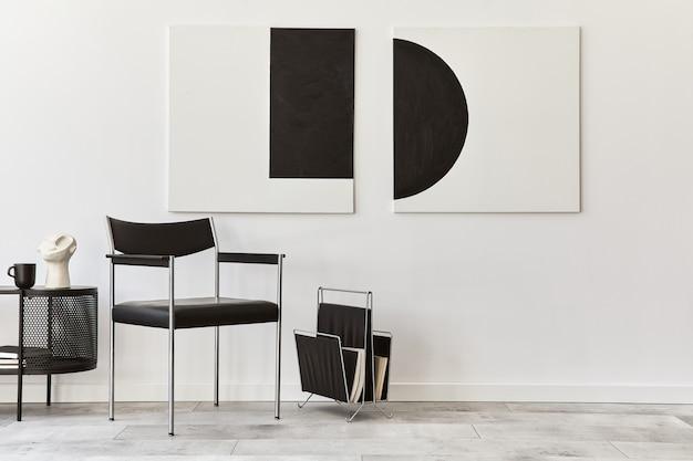 Interieurontwerp van moderne woonkamer met zwarte stijlvolle commode, stoel, kunstschilderijen, lamp, boek, decoraties en elegante accessoires in huisdecor..