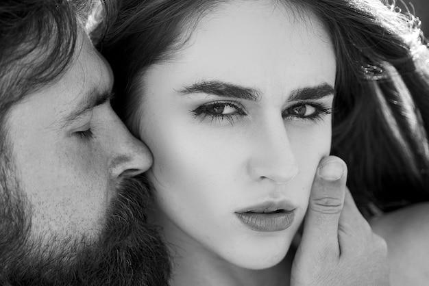 Intimiteit sensueel concept. verliefd stel. romantisch en liefde. passie dating en liefde. verleiding