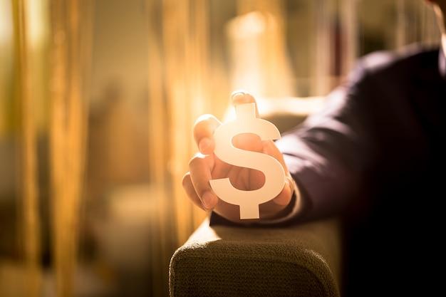 Investeer in onroerend goed voor de toekomst, familie en onderwijs, krediet en bankieren, kopieer ruimte.